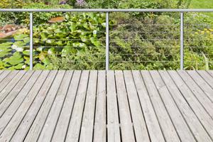 terrasses en bois indig ne en ch ne conseils et astuces. Black Bedroom Furniture Sets. Home Design Ideas